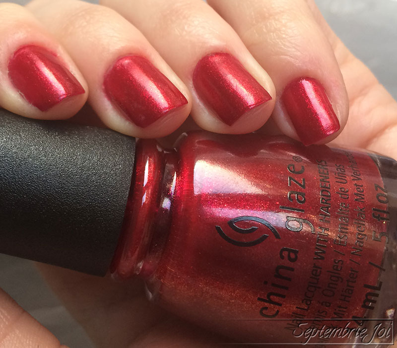 china-glaze-peppermint-to-be-2
