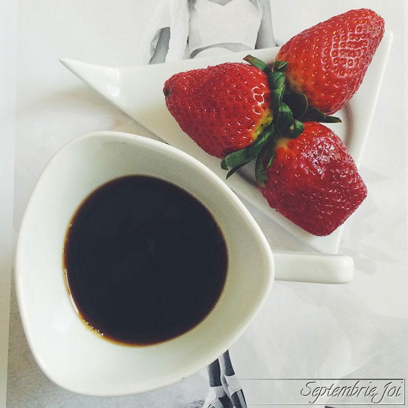 cafea-capsuni
