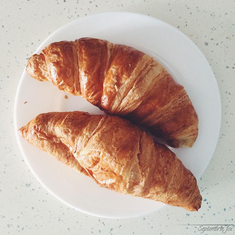 croissant-cu-unt-lidl