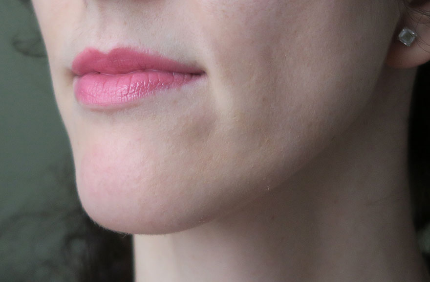 swatch-maybelline-shine-cumpulsion-75-undressed-pink